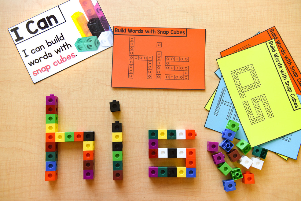 Learning materials: Build words with snap cubes
